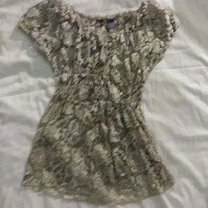 XS BKE Boutique Short Sleeve Gold Lace Blouse Top